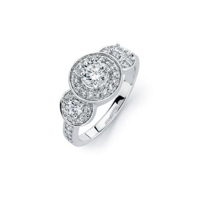 925 Sterling Silver Ladies Jewelry 925 Sterling Silver Ring w/ 3-Round Cubic Zirconia Center Stones w/ Round Cubic Zirconia Side Stones.